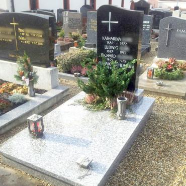 Gebrauchte Grabanlagen